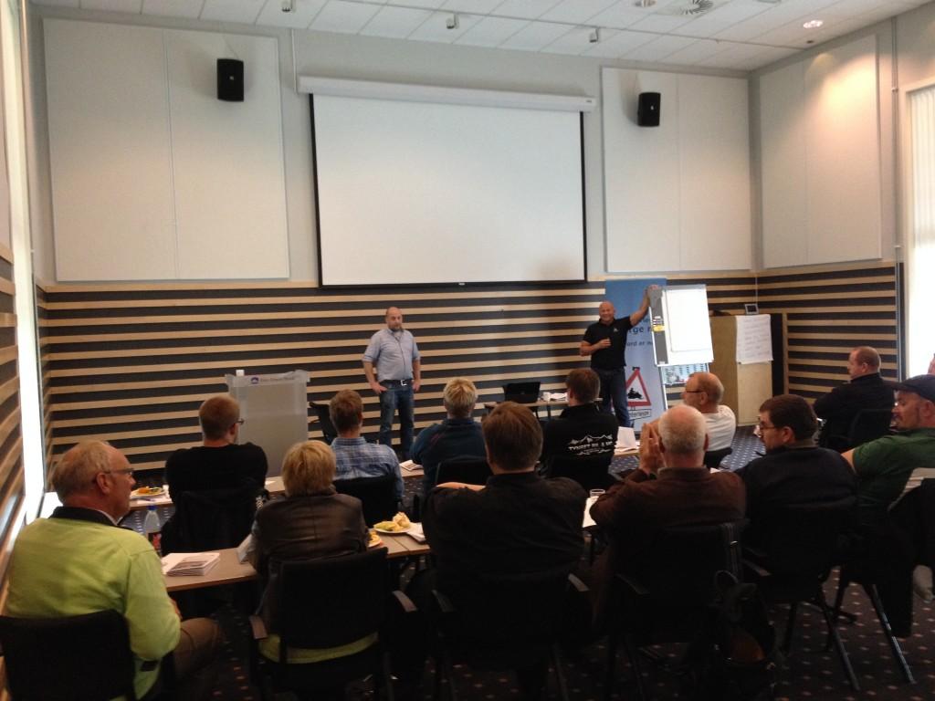 Statens vegvesen v/ Kristian Øvernes og Trygg Trafikk v/ Ketil Nystrøm presenterte foreløpig utkast til Veileder for fysisk sikring av snøscooterløyper.